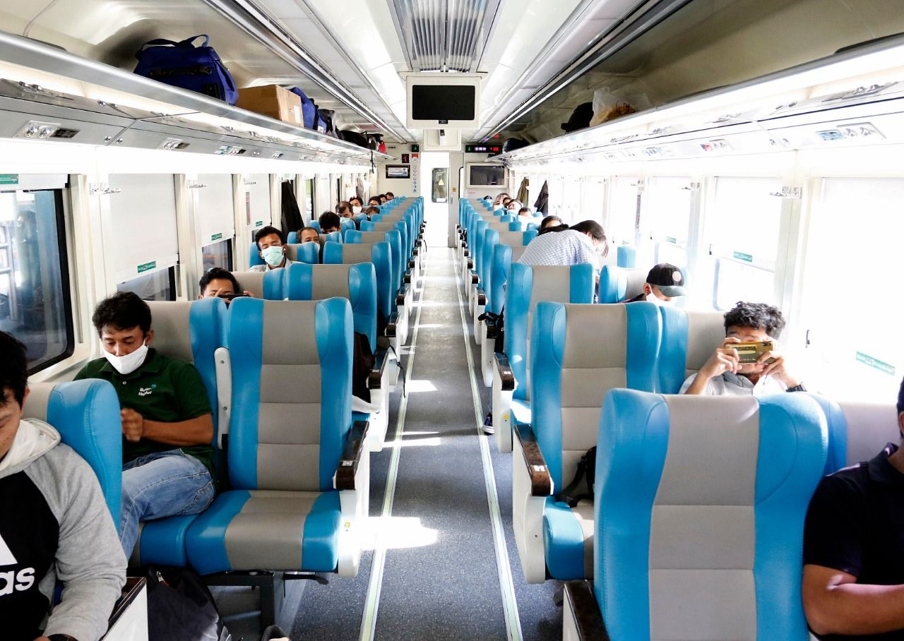 Seminggu Beroperasi, Kereta Luar Biasa Angkut 800 Penumpang