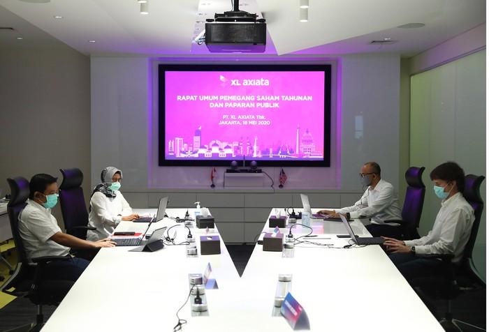Rapat Umum Pemegang Saham Tahunan XL 2020 digelar secara daring. Dalam rapat tersebut jajaran Direksi PT XL Axiata Tbk. (XL Axiata) beserta komisaris hadir secara online.