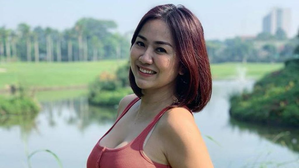 Viral Sosok Tante Ernie, Kebiasaan Olahraganya Jadi Inspirasi Kebugaran