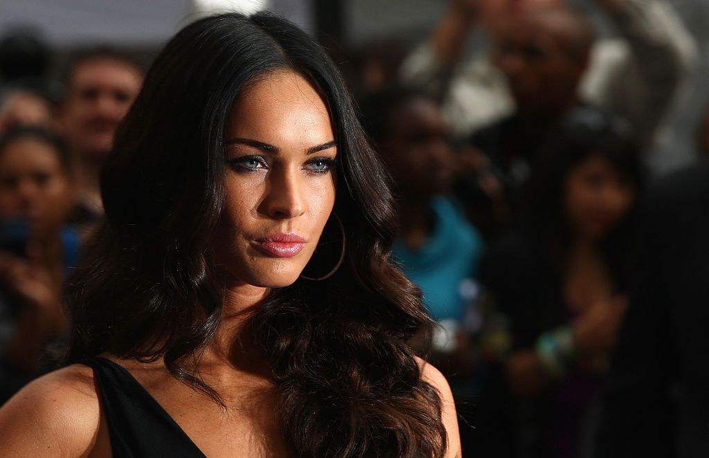 LONDON, ENGLAND - JUNE 15:  Megan Fox arrives for the Transformers: Revenge of the Fallen Premiere at Odeon Leicester Square on June 15, 2009 in London, England.  (Photo by Gareth Cattermole/Getty Images)