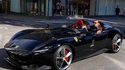 Ternyata Begini Gaya Zlatan Ibrahimovic Kalau Nyetir Mobil