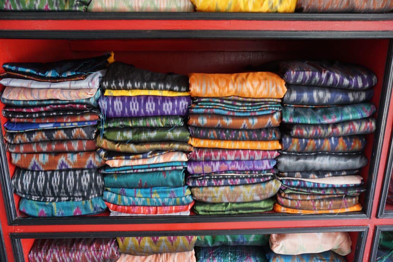 Pembuatan kain tenun