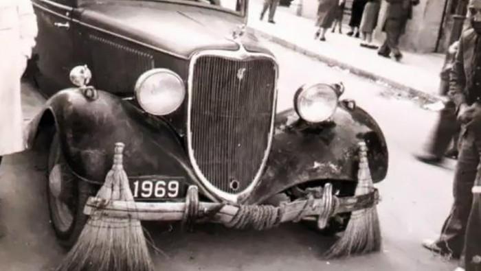 Mobil penyapu jalanan