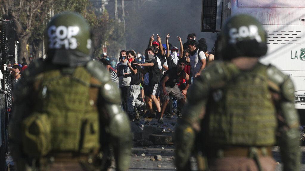 Demo Tuntut Bantuan Makanan Berakhir Bentrok di Chile