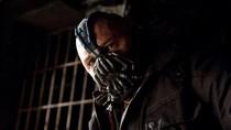Topeng Bane Musuh Batman Laris Manis Terjual di Tengah Corona