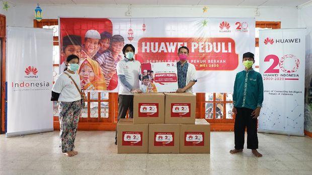 Huawei Sumbang 30 Panti Asuhan Saat Ramadhan