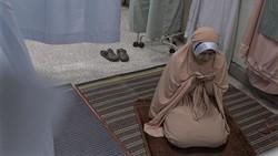 Ramadhan jadi bulan yang paling ditunggu umat muslim se-dunia. Tapi, Ramadhan tahun ini para petugas medis harus melaluinya di rumah sakit akibat pandemi Corona
