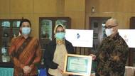 Kingland Avenue Donasi APD & Rapid Test ke Tenaga Medis di Tangerang
