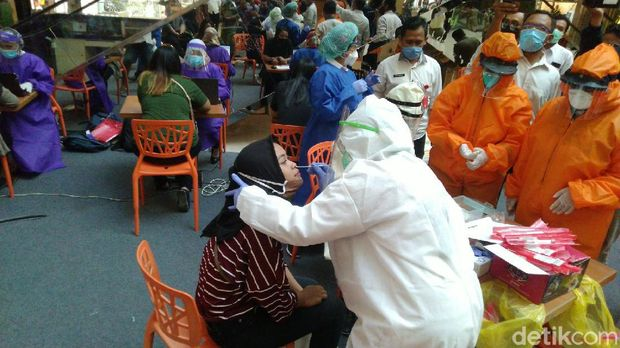 Suasana tes swab di Paragon Mall, Kota Semarang, Rabu (20/5/2020).