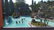 Asyiknya Berenang di Selopanggung