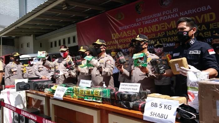 Polisi bongkar penyelundupan sabu dalam truk logistik