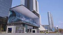 Ombak Laut Muncul di Kota Seoul, Cocok untuk yang Rindu Pantai