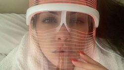 Kourtney Kardashian Rilis Face Shield Rp 2,8 Juta yang Bikin Netizen Bingung