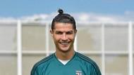 Cristiano Ronaldo Tersenyum Lagi