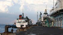 Pemudik di Pelabuhan Tanjung Perak Surabaya Sepi
