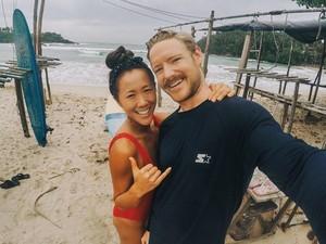 Tak Selalu Indah, Pasangan Ini Ungkap Rasanya Honeymoon 2 Bulan Karena Corona