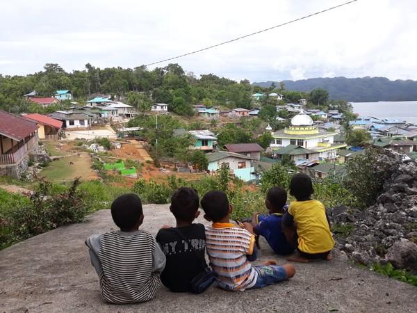 Pulau Arguni tertelak di Kabupatenn Fakfak, Papua Barat. (dok Istimewa/Hari Suroto)