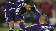 Van Nistelrooy Bantah Pernah Bilang Ruang Ganti Madrid Bau Alkohol