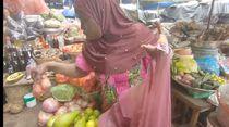 Penjual Sayuran di Afrika Ini Jago Bahasa Indonesia dan Jawa