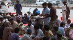 Potret Buka Puasa Bersama di Pakistan saat Pandemi Corona