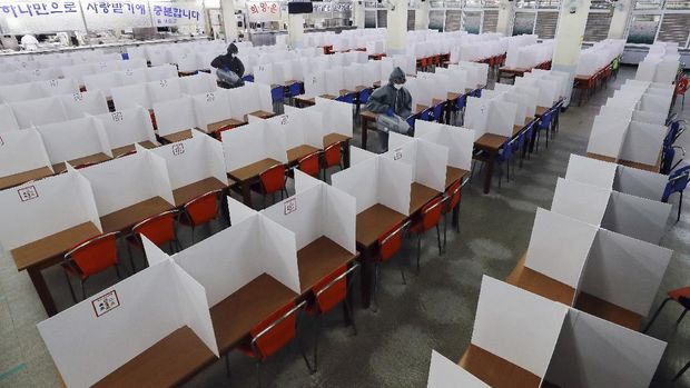 Korea Selatan Bersiap Buka Kembali Sekolah. AP/Kim Hyun-tae