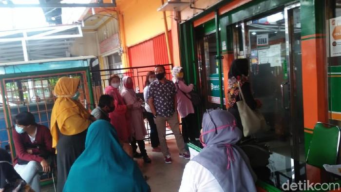 Warga mulai memadati pusat perbelanjaan jelang Idulfitri 1441 H (Hery Supandi/detikcom)