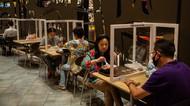 Restoran di Thailand Gunakan Plastik Pembatas
