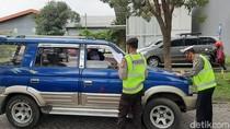 Jelang Lebaran, Polisi Perketat Pemeriksaan Kendaraan di Batas Kota Malang