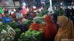 Jelang Lebaran, Pasar Sumber Artha Bekasi Ramai