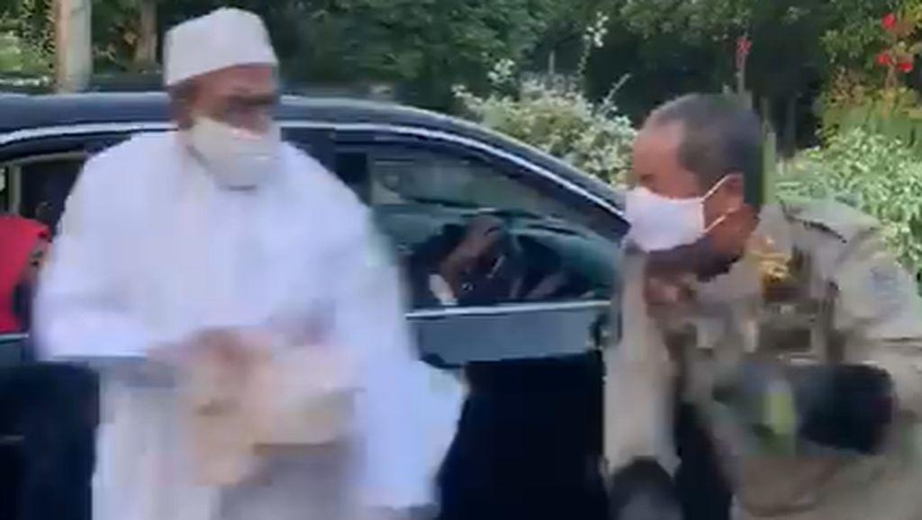 Video Umar Assegaf Langgar PSBB, Marahi dan Dorong Petugas