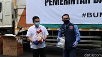 Kementerian BUMN Salurkan Ribuan APD-10 Ton Beras untuk Warga Jabar