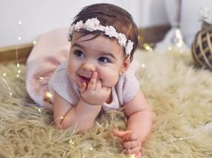 Inspirasi 100 Nama Bayi Perempuan yang Artinya Damai