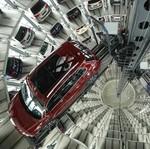Glass Car Silo yang Spektakuler, Menara Parkir Ratusan Mobil Volkswagen