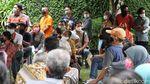 Suasana Pembagian BST di Kelurahan Jagalan