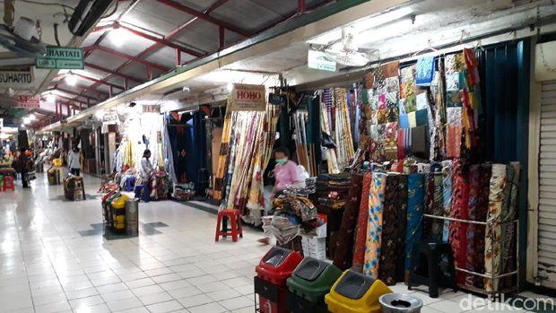 Lengangnya Pasar Beringharjo Yogya, Kamis (21/5/2020).