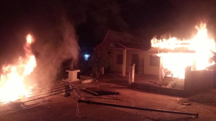 Kantor desa di Jambi dibakar warga yang kecewa karena pembagian BLT tak tepat sasaran (Dok. Istimewa)