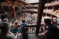 Teater Globe karya William Shakespeare, tempat terkenal di London dimana sang penulis melakukan dramanya harus menghadapi penutupan permanen akibat kebijakan lockdown dampak virus Corona. Oli Scarff/Getty Images.