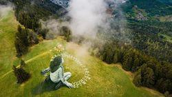 Pesan untuk Dunia Saat Corona dari Mural Raksasa di Swiss