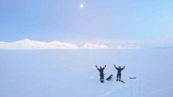 Mereka berdua adalah Hilde Falun Strom dan Sunniva Sorby. Kedua wanita ini memulai ekspedisi yang telah lama direncanakan di Kepulauan Arktik Svalbard pada September 2019 lalu