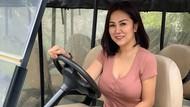 Sisi Lain Tante Erni: Montir Cantik di Balik Kemudi