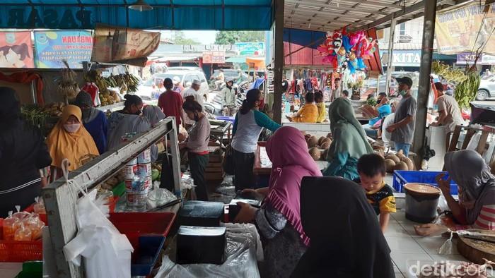 Suasana Pasar Jengkol saat PSBB