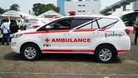 Catat Ya! Ada Ambulans Bawa Pasien, Mobil Presiden pun Harus Minggir