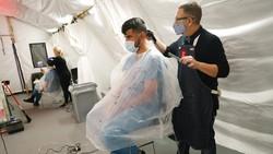 Salon Buka Saat Pandemi, Tukang Cukur Tularkan Corona ke Pelanggan