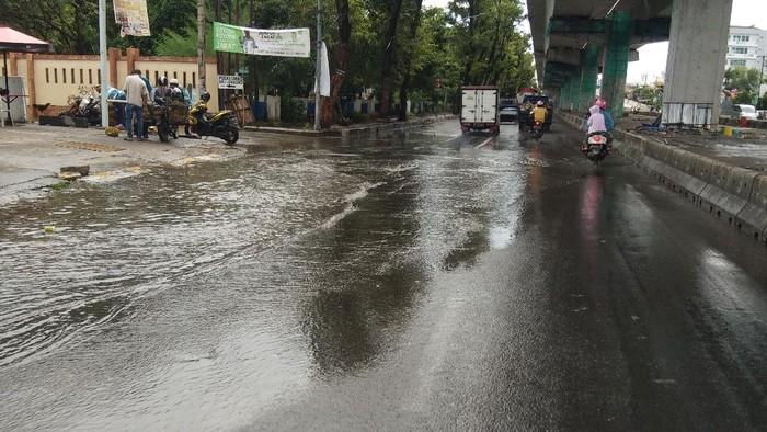 Hujan Lebat Guyur Makassar