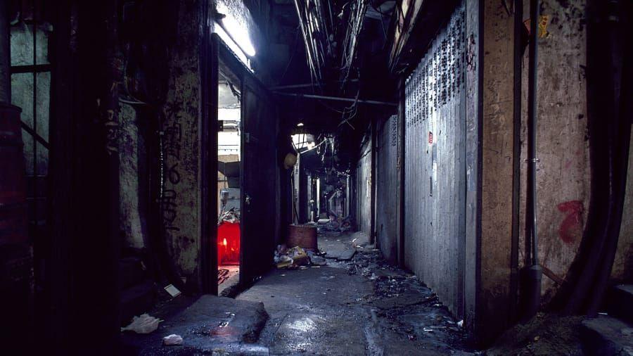 Lorong gelap di Kowloon Walled City