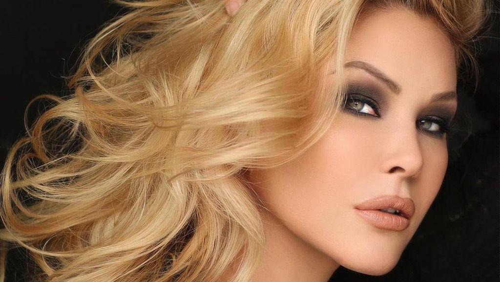 Pesona Mantan Model Playboy yang Pamer Transformasi Berat Badan