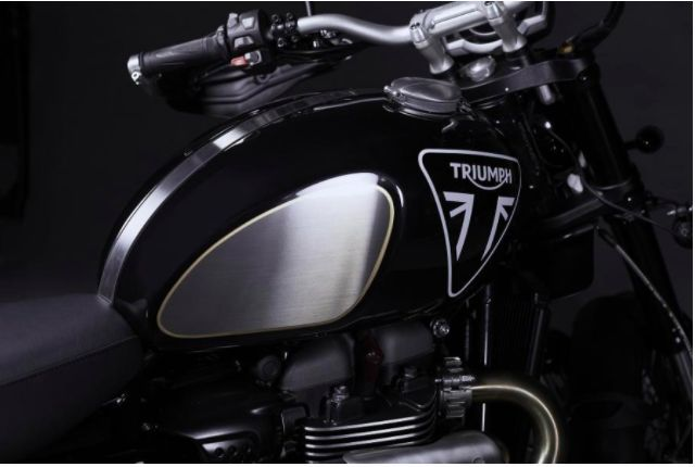 Triumph Scrambler ala James Bond