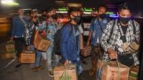 Ratusan Calon Pemudik Terjaring Penyekatan di Tol Cikarang Barat