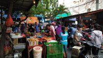 Antara Takut Corona dan Kebutuhan, Pasar-pasar Padat Jelang Lebaran