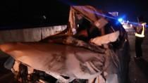 Sebuah MPV Terbalik di Tol Ngawi, 8 Orang Selamat